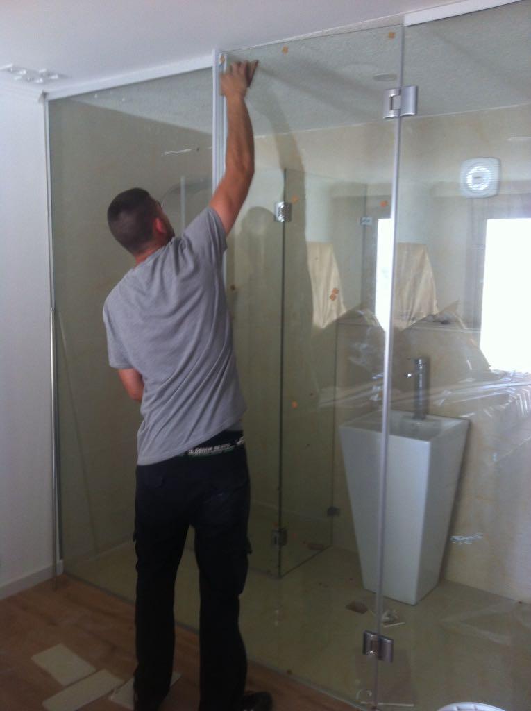 התקנת מקלחונים