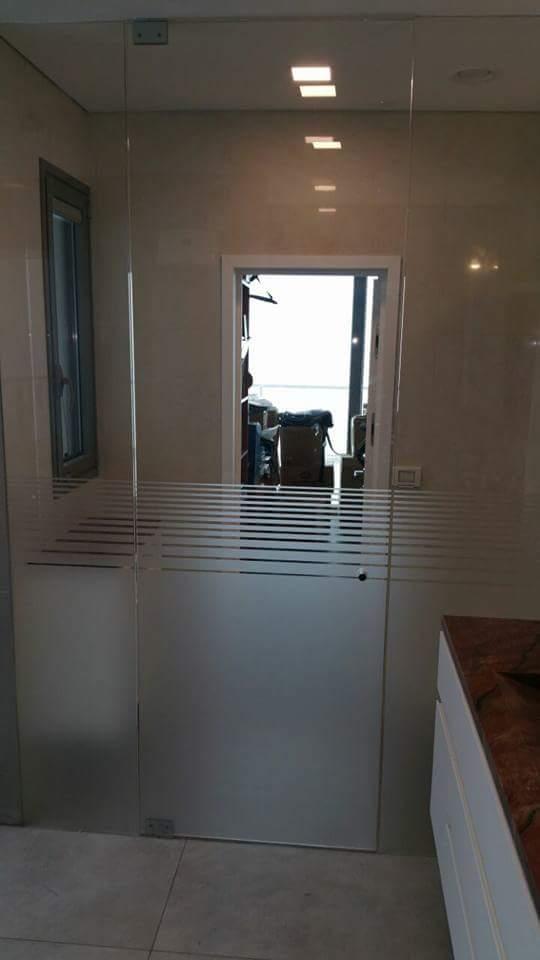מקלחון מעוצב בדירה